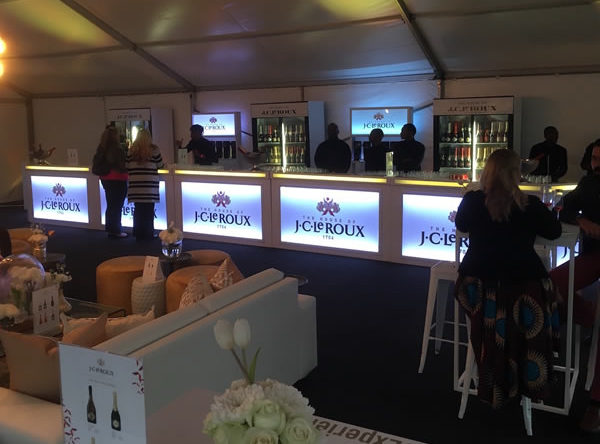 Extend the mobile bar section at your event with a 7 meter long customised bar by Drake Events
