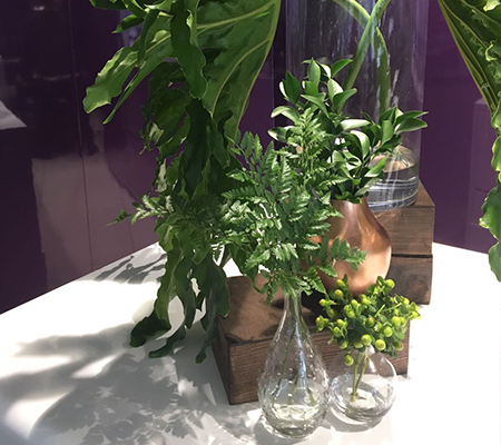 Elegantly going green with this table decor.